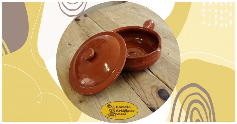 promozione vendita online tegame in terracotta con manico e coperchio per cucinare carni e verdure